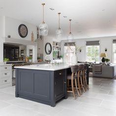 Open Plan Kitchen Dining Living, Open Plan Kitchen Diner, Small Space Kitchen, Kitchen Family Rooms, Kitchen Redo, Living Room Kitchen, Kitchen Layout, Home Decor Kitchen, Interior Design Kitchen