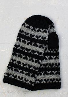 Fingerless Mittens, Knit Mittens, Knitted Gloves, Knitting Socks, Wrist Warmers, Hand Warmers, Knit Stranded, Knitting Patterns, Crochet Patterns