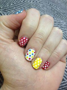 Multicolour polka dot nails