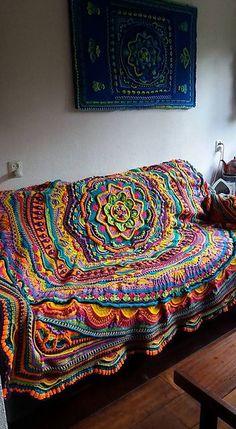 Transcendent Crochet a Solid Granny Square Ideas. Inconceivable Crochet a Solid Granny Square Ideas. Crochet Square Pattern, Motif Mandala Crochet, Mandala Blanket, Freeform Crochet, Crochet Squares, Crochet Blanket Patterns, Crochet Stitches, Knitting Patterns, Crochet Blankets