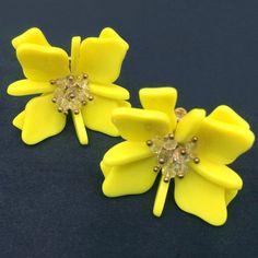 OVERSIZED EARRINGS LEMON YELLOW FLORA RESIN & LUCITE CLIP-ON POP ART RARE ITEM  | eBay
