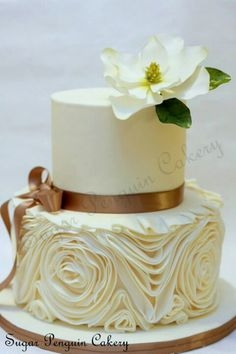 #Neutral wedding cake... Wedding ideas for brides, grooms, parents & planners ... https://itunes.apple.com/us/app/the-gold-wedding-planner/id498112599?ls=1=8 ... plus how to organise your entire wedding ... The Gold Wedding Planner iPhone App ♥