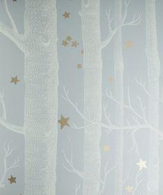 Tapeta z drzewami będzie idealna do pokoju dziecka.