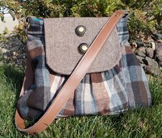 e460671685 Brown tweed purse for fall    Etsy Beautiful Handbags