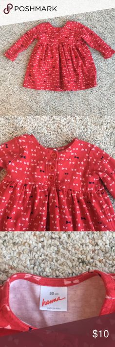 Hanna Andersson Red Toddler Girl Dress Size 80cm which is roughly equivalent to 18-24 months. Long sleeves.  Light pink and navy bow pattern. Three buttons on the front. Perfect for Valentine's Day! Hanna Andersson Dresses Casual