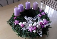 vánoční věnec na dveře - Hledat Googlem Christmas Advent Wreath, Christmas Cards To Make, Christmas Makes, Christmas Candles, Christmas Centerpieces, Holiday Wreaths, Rustic Christmas, Christmas Art, Christmas Decorations