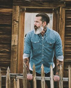 """177 Likes, 4 Comments - Charley (@charleyph) on Instagram: """"#style #dandy #dandism #elegance #colorcombo #colors #EleganceNeverFades #beard #bearded #stylishguy"""""""