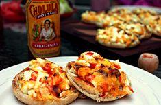 Breakfast Muffin Melts with Cholula Breakfast Muffins, Breakfast Recipes, Tasty, Yummy Food, Cheddar Cheese, Nom Nom, Bacon, Brunch, Favorite Recipes
