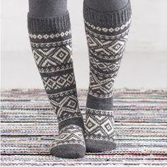 Lace Knitting, Knitting Socks, Knitting Patterns, Winter Socks, Warm Socks, Crochet Socks, Knit Crochet, Slipper Socks, Knee Socks