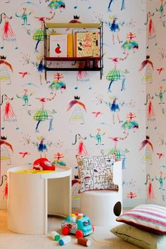 great wallpaper, looks like bright and happy kids' drawings #kids #decor.