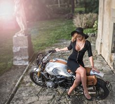 "Monika Balan and the ""Quicksilver"" BMW R nine-T"