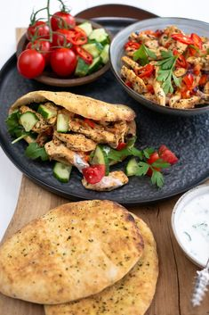 Chicken shawarma with homemade garlic sauce - Mind Your Feed - Chicken shawarma with homemade garlic sauce food - Clean Recipes, Wine Recipes, Healthy Recipes, Food Design, Weight Watchers Meatloaf, Lucky Food, Comfort Food, Healthy Meals For Kids, Food Cravings