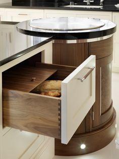 Luxury Shaker Style Walnut Kitchen - Davonport