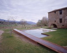 "RCR Arquitectes || Alberca y exteriores en ""La Vila"" de Trincheria (Vall de Bianya, España) || 2003"