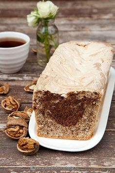 chec-din-albusuri-cu-nuca-si-ciocolata Sweets Recipes, Pie Recipes, Cooking Recipes, Baby Shower Sweets, Loaf Cake, Special Recipes, Something Sweet, Sweet Bread, Diy Food