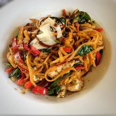I think I may be a little bit addicted to veggie noodles, they are just so versatile! The real beauty is that they fill you whilst being 0sp. Whether you have a spiralizer or buy the pre spiralized…