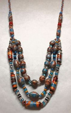 15 Best Paper Beads Template That Easy To Get Started Fiber Art Jewelry, Paper Bead Jewelry, Fabric Jewelry, Jewelry Crafts, Jewelry Art, Beaded Jewelry, Beaded Necklace, Jewellery, Paper Beads Tutorial