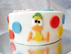 Estrade's cakes: tarta Pocoyó, con fondant Fondant Figures, Fondant Cakes, Baby Birthday Cakes, 3rd Birthday Parties, Birthday Party Decorations, Cake Pocoyo, Cupcakes Lindos, Funny Cake, Zombie Party