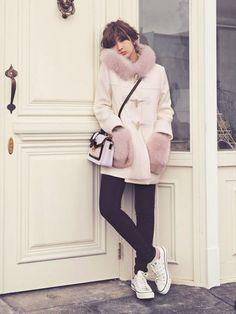 甘辛コンビできめよう。Rirandture ポケットファーダッフルコート /  toggle coat with fur on ShopStyle