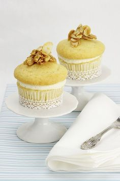Nid d'Abeille Cupcakes / Bienenstich Cupcakes (Bee Sting Cake) #vegan #glutenfrei  #amicella #Veganpassion @Veganpassion #StinaSpiegelberg   @Mj0glutenVG #0GlutenVegeBrest #Bienenstich #BeeStingCake #pâtisserie #niddabeille #Cupcakes