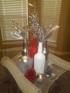 wine/liquor bottles...spray adhesive...Epsom salts...spray paint Wine Bottle Corks, Liquor Bottles, Wine Bottle Crafts, Bottles And Jars, Glass Bottles, Bottle Painting, Bottle Art, Holiday Crafts, Holiday Decor