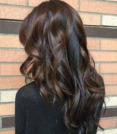 Long+Curly+Brunette+Hairstyle