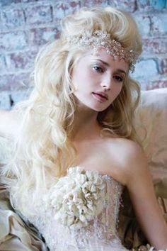 Açık/Toplu/Dağınık/Topuz/Dalgalı,Düğün Saçı Modelleri 2012-2013