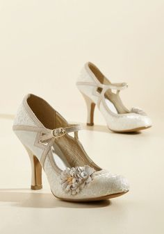 Charming Capers Mary Jane Heel in Champagne