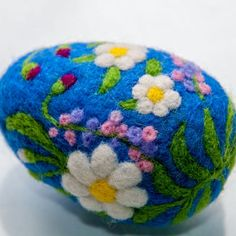 Easter egg Easter wool decor Needle Felted Egg with Wooden