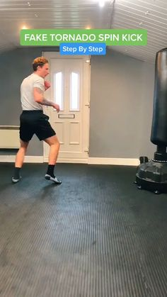 Martial Arts Moves, Mixed Martial Arts Training, Self Defense Martial Arts, Martial Arts Workout, Mma Workout, Kickboxing Workout, Gym Workout Videos, Gym Workout For Beginners, Taekwondo Training