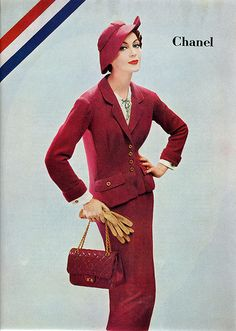 Chanel A/H Photo Richard Avedon. Chanel Couture, Richard Avedon, Chanel Fashion, 1950s Fashion, Chanel Style, Coco Chanel, Chanel Bags, Chanel Handbags, New Look Dior