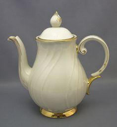 Arabia, kahvikannu, Kultakoriste, Olga Osol
