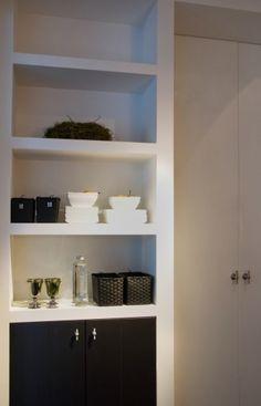 Built in storage cabinet floors 64 Ideas Diy Storage Bed, Built In Storage, Smart Storage, Kitchen Interior, Interior Design Living Room, Kitchen Design, Metal Storage Cabinets, Living Room Built Ins, Bathroom Styling