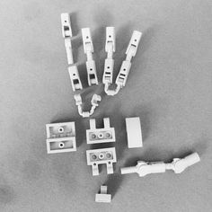 Lego Hand Breakdown by jigsawjo Lego Mecha, Bionicle Lego, Lego Hand, Robot Hand, Legos, Instructions Lego, Lego Bots, Lego Machines, Lego Sculptures