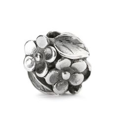 Trollbeads Mom's Bouquet   Roses are red, Violets are blue, Sugar is sweet, And so are you. #trollbeads #mothersday #bouquet