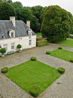 At Home With: Hubert de Givenchy, Château du Jonchet, France :: This is Glamorous