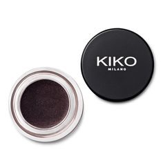 KIKO launches Cream Crush Eyeshadow: the new long-lasting cream eyeshadow. Discover online all the shades with matte or shiny finishes.