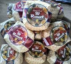 Kini hadir Sambal kriuk si rawit , yang merupakan produk asli dari kabupaten garut memanfaatkan sumber daya alam atau hasil tani masyarakat garut khususnya cabe.