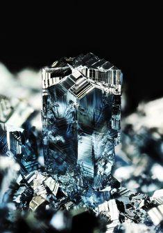 Os_A3 (Osmium) | blue osmium crystals made by CVD. Main crys… | Flickr