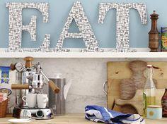 #Wooden handmade #letters to decorate your kitchen or hallway: http://www.1-2-do.com/de/projekt/Holzbuchstaben/bastelanleitung-zum-selber-basteln/11262/