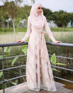 Worth It Muslimah Wedding Dress Syari 92 Muslimah Wedding Dress, Muslim Wedding Dresses, Muslim Brides, Muslim Dress, Muslim Couples, Event Dresses, Dress Brokat, Kebaya Dress, Bridal Hijab