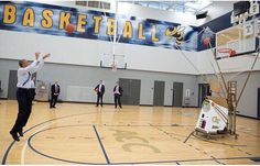 The President put up a few shots in Zelnak after his speech at McCamish Pavilion #POTUSatGT (via official White House photographer)