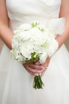White wedding bouquet from rusticweddingchic.com