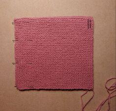 Tutorial muy sencillo: Cuatro gorros con el mismo patrón. | El castillo de lana Knitting Stitches, Baby Knitting, Crochet Baby, Knit Crochet, Knitted Booties, Projects To Try, Elsa, Sewing, Pattern
