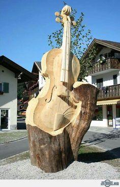 Chain saw tree art