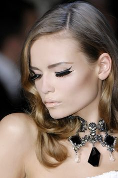 #Makeup Tip: A black liner with a hint of glitter adds a subtle finish to your look.