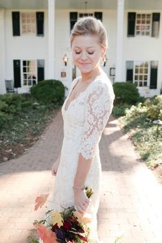 ADORE this Monique Lhullier wedding dress! // photo by Kellie Kano
