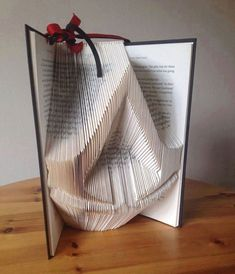 So this is really cool and all but the book lover in me is hurting at the fact that someone would treat a book this way