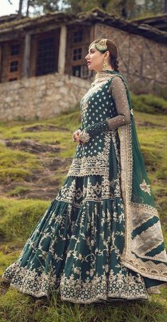 Pakistani Fancy Dresses, Party Wear Indian Dresses, Pakistani Fashion Party Wear, Indian Bridal Fashion, Pakistani Bridal Dresses, Pakistani Dress Design, Pakistani Bridal Couture, Pakistani Mehndi, Indian Outfits