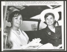 1962 press photo: Empress Farah with Jackie Kennedy